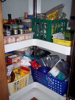 how to organize a lazy susan corner cabinet 1