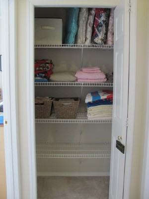 Organizing My Linen Closet + Landsu0027 End Storage Totes Giveaway!