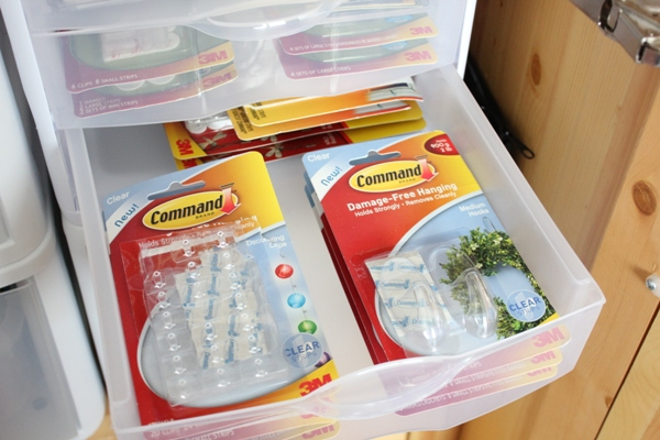 command hooks bottom drawer