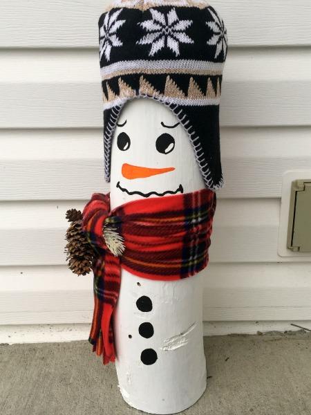 wooden-snowman