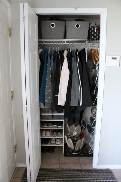 Foyer Closet Jobs : Small organized spaces entryway closet seasonal refresh